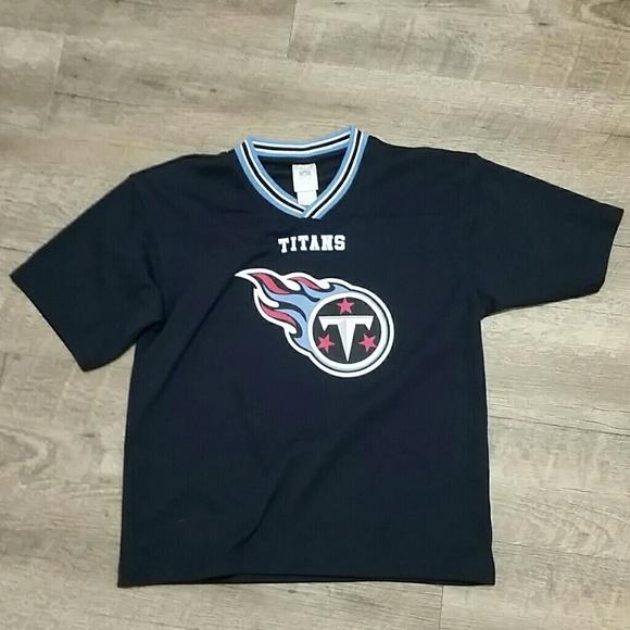 a4bdb57f Tennessee Titans Kids Shirt (Size M 10/12)